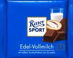 Vorderansicht einer Tafel Ritter Sport Edel-Vollmilch