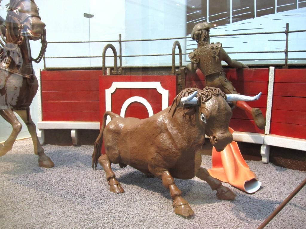 Stierkampf-Diorama aus Schokolade im Schokoladenmuseum Barcelona.