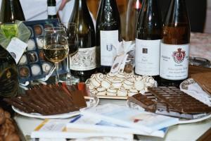 Weinflaschen und Schell Konfekt